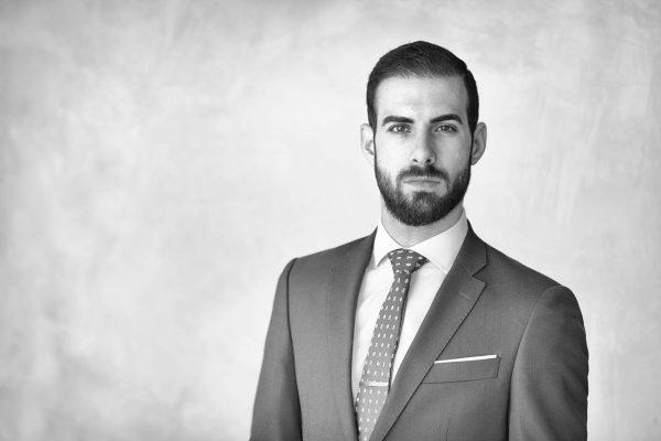 Retrato prefesional de abogado YOEL ALBARRACÍN MORANTE