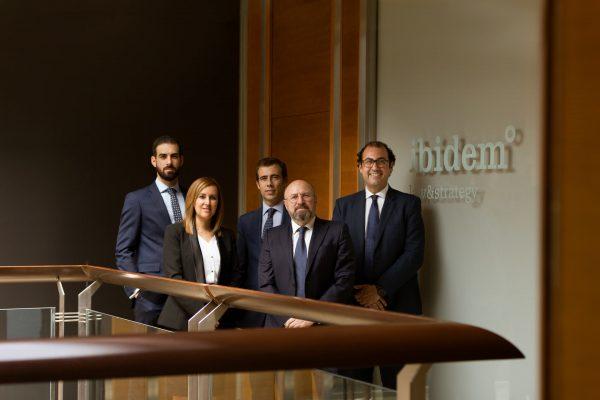 Equipo de abogados Ibidem, fotografia Hotcreatividad