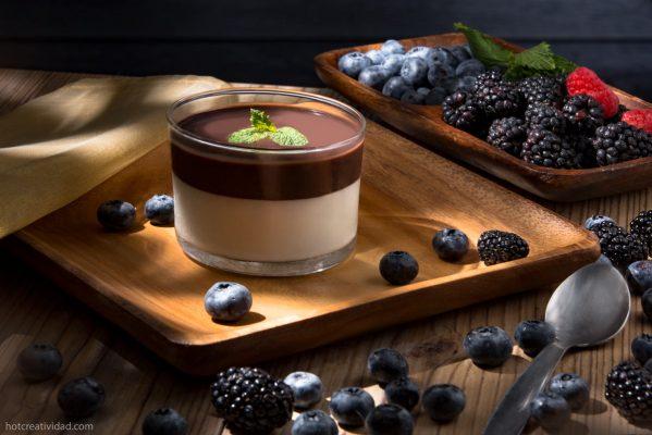 moras, postre, natillaschocolate, yogurh, fotografia gastronomica, fotografia publicitaria, fotografia producto, fotografia profesional, Alicante