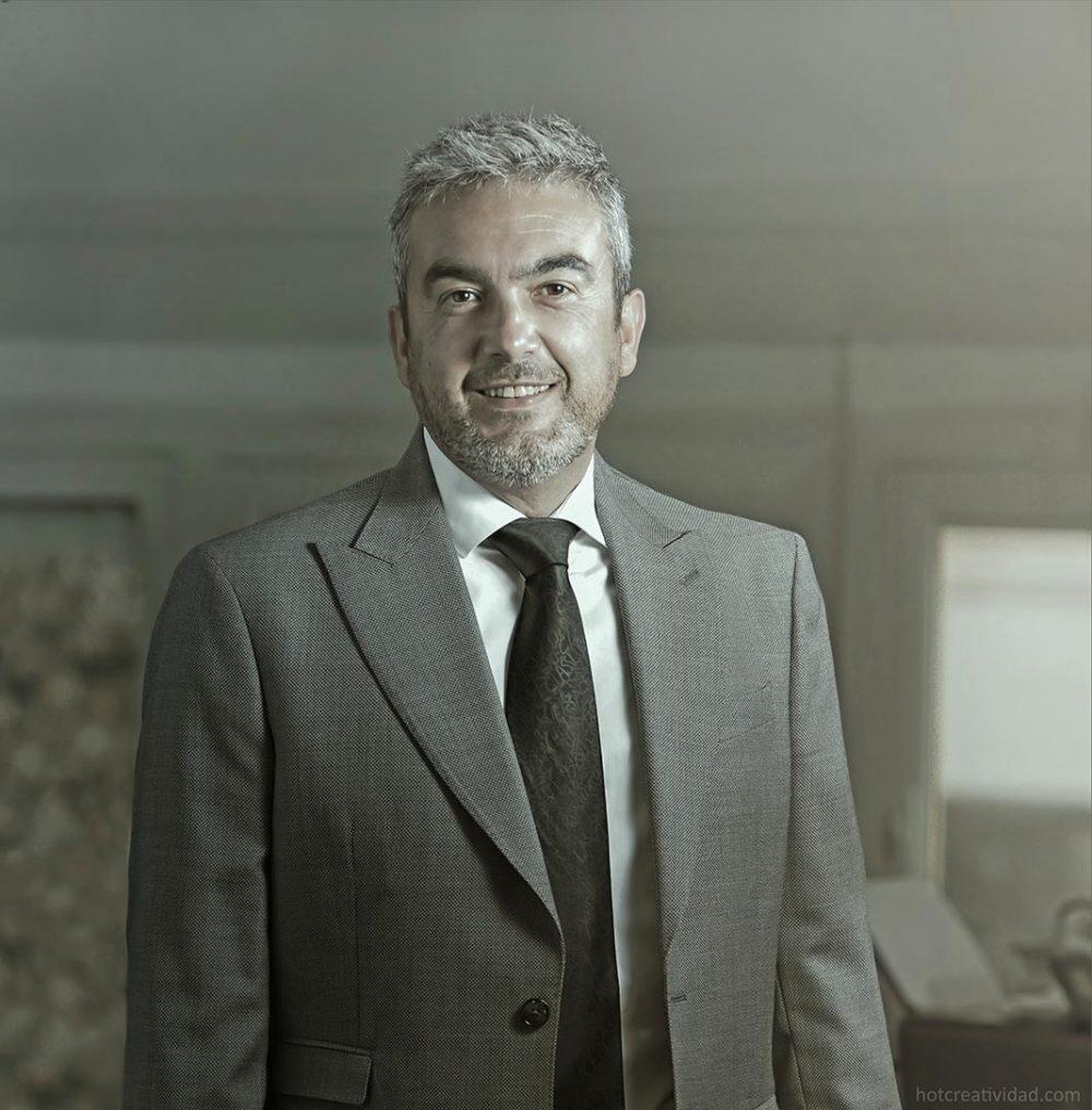 MOVA, Jose Javier Garcia Zamora , retrato hombre, hotcreatividad, fotografia publicitaria, fotografia profesional, Alicante, CEO, CEO MOVA, Preseidente CEEI Elche, 2018, 2019