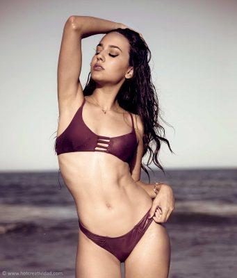 modelo, bañador, playa, hotcreatividad, fotografia publicitaria, fotografia profesional, Alicante