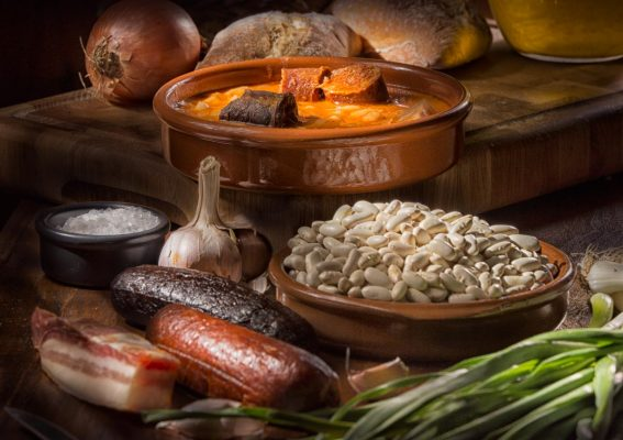 cocina tradicional, alubiuas, fabada asturiana, fotografia gastronomica, fotografia publicitaria, fotografia producto, fotografia profesional, Alicante