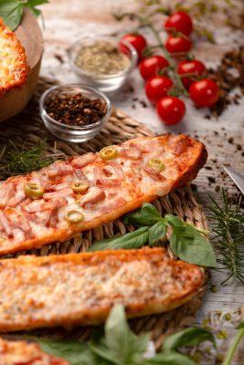 Foto de Paninis variados, Bacon y Queso por Hotcreatividad para Horneo